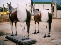 Cavalo em cimento