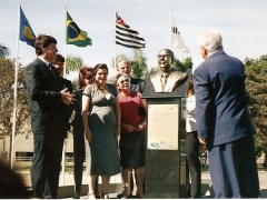 Busto Dr. Montenegro