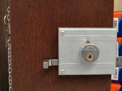 Ferragens e acessórios para móveis